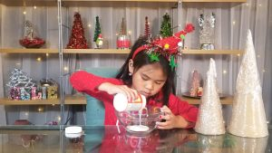 Make a Christmas Tree Craft with String and Glue!