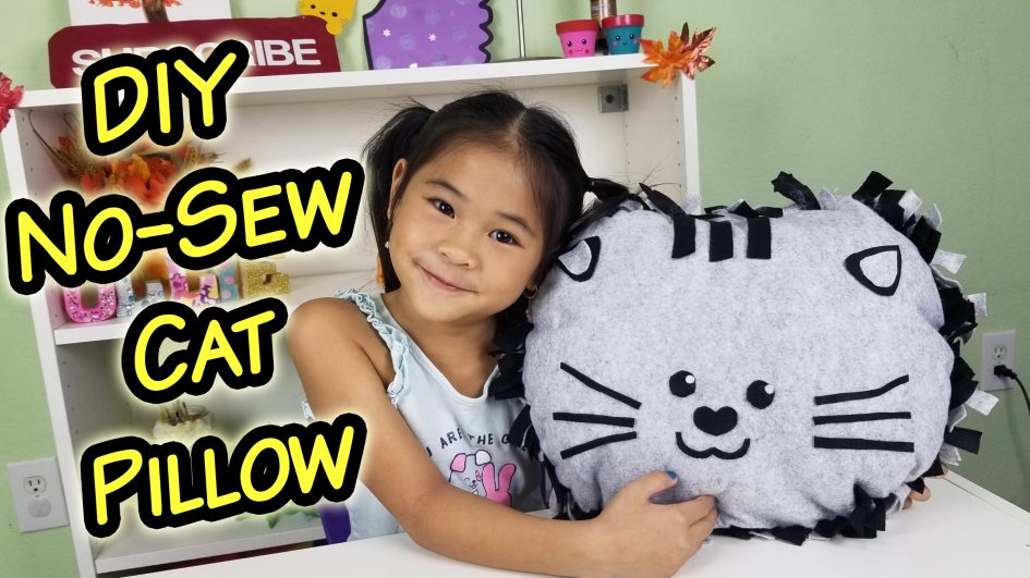 No- Sew Cat Face Cushion Tutorial